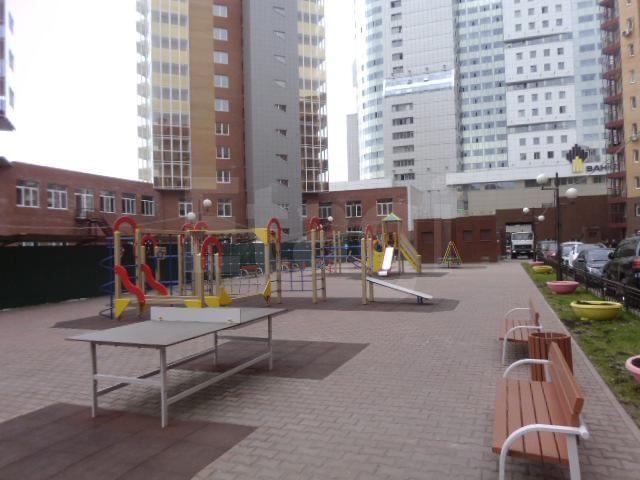 Продажа 3-комнатной квартиры, Красноярск, Молокова,  28
