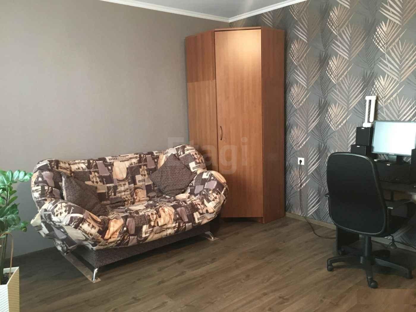 Продажа 4-комнатной квартиры, Красноярск, Молокова,  23