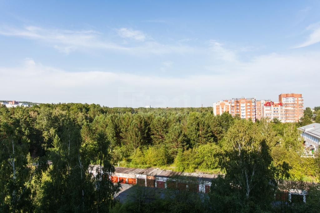 Продажа 4-комнатной квартиры, Красноярск, Академгородок,  16