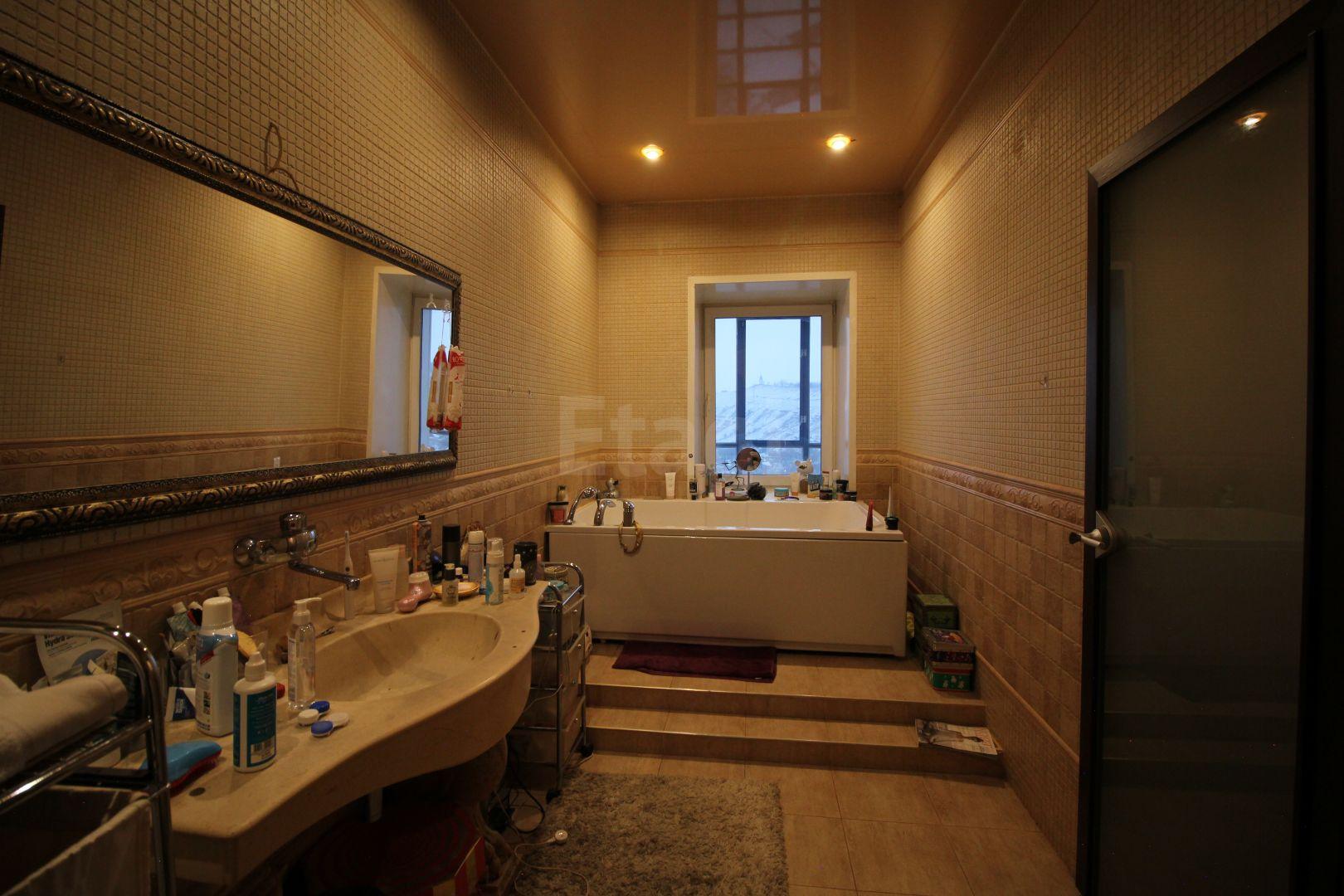 Продажа 5-комнатной квартиры, Красноярск, Ады Лебедевой,  18